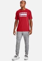 Under Armour - Ua team issue wordmark short sleeve T-shirt - red