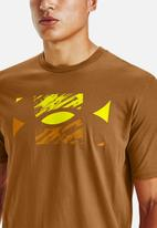 Under Armour - Ua big logo sketch short sleeve - tan