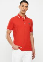 Replay - Red golfer - red