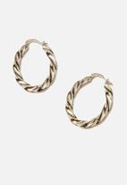 Rubi - Luxe layers twister oblong hoop - gold
