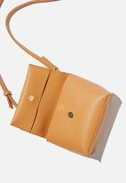 Rubi - Whit cross body bag - tan