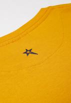 SOVIET - Boys logo tee - yellow