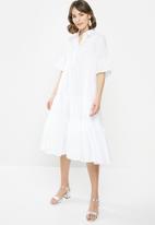 AMANDA LAIRD CHERRY - Nhlole dress - white