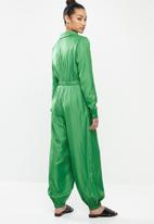 Glamorous - Petite relaxed jumpsuit - green