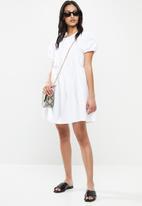 Glamorous - Petite Puff sleeve tiered mini  - white