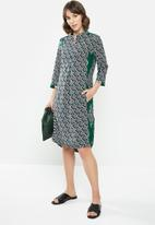 AMANDA LAIRD CHERRY - Lungro kafta - green