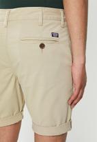 Superdry. - International chino shorts - neutral
