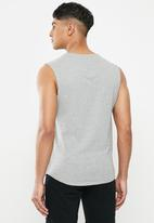 S.P.C.C. - Shearer fashion scooped hem sleeveless T-shirt - grey melange