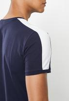 PUMA - Iconic t7 slim tee - navy & white
