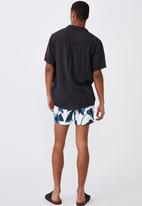 Cotton On - Swim short - white & blue