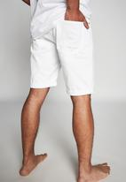 Cotton On - Roller short - white
