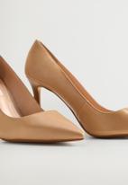 MANGO - Desi leather court - medium brown