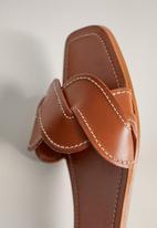 MANGO - Manila leather sandal - medium brown