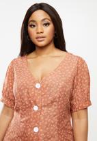 Glamorous - Plus button through midi dress - rust & white
