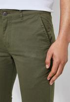 Superbalist - Caleb slim chino - light khaki green