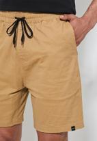 Superbalist - Deco chino short - beige