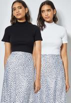 Superbalist - 2 pack fitted rib tee's - white & black
