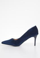 Dolce Vita - Nevada court heel - navy