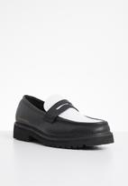 Jonathan D - Penny moccasin - black & white