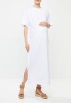 Superbalist - Maternity maxi crew neck T-shirt dress - white