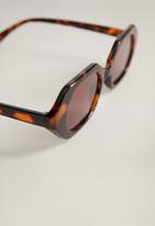 MANGO - Frida sunglasses - dark brown