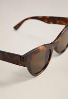 MANGO - Jules sunglasses - dark brown