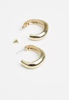 Superbalist - Chloe hoop earrings - gold