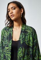 Superbalist - Printed longer length shacket - green & black