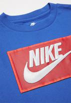 Nike - Faux futura patch short sleeve tee - game royal