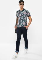 Jonathan D - Slim fit denim jean with side entry pockets - dark blue