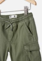 Cotton On - Charlie cargo short - swag green