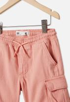 Cotton On - Charlie cargo short - smoked salmon