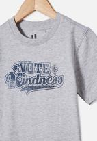 Cotton On - Max skater short sleeve tee - grey marle vote kindness