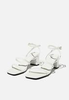 Cotton On - Layla block heel - white