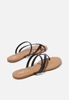 Cotton On - Everyday strappy toe loop slide - black