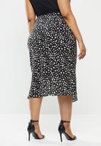 Glamorous - Plus Bias cut midi skirt - black & white