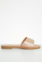 Miss Black - Lowri slide - neutral