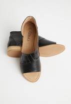 Miss Black - Micah 4 peep-toe - black