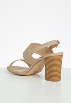Miss Black - Gossip heel - neutral