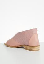Miss Black - Micah 4 peep-toe - pink