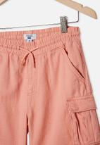 Free by Cotton On - Charlie cargo short - smoked salmon
