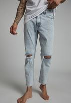 Cotton On - Raw crop jean - burleigh blue blowout