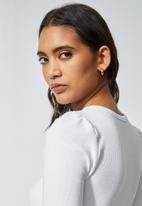 Superbalist - Single hi neck puff sleeve rib top - white