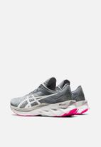 Asics - Novablast - sheet rock & white