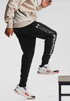 Under Armour - UA rival fleece graphic joggers - black