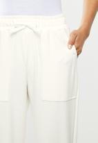 Me&B - Fleece tapered leg track pant - cream