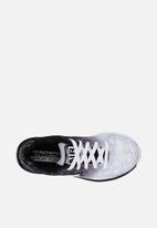 Skechers - Air advantage - black & white