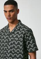 Superbalist - L.A. resort shirt - charcoal