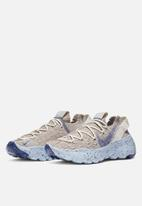 Nike - Space Hippie 04 - sail / astronomy blue / fossil chambray blue