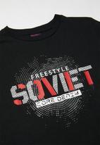 SOVIET - Boys s/slv logo tee - black